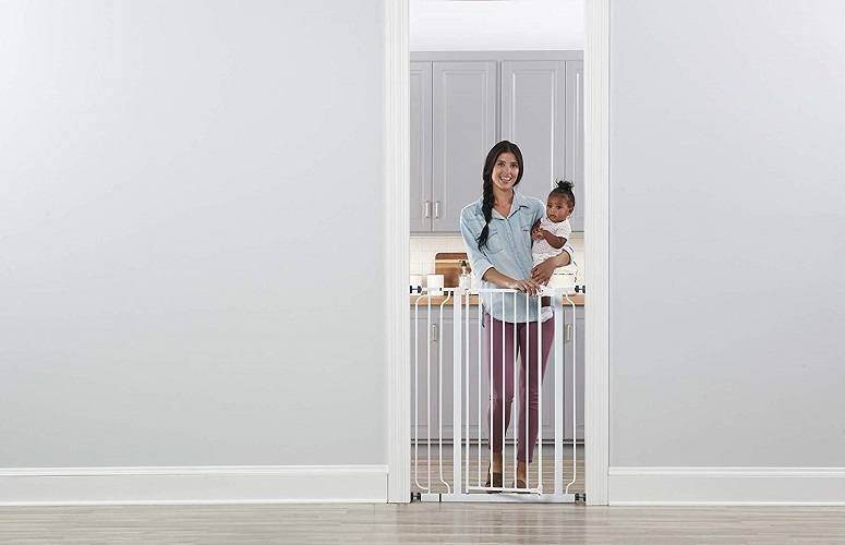 Using Regalo Easy Step Extra Tall Walk Thru Gate