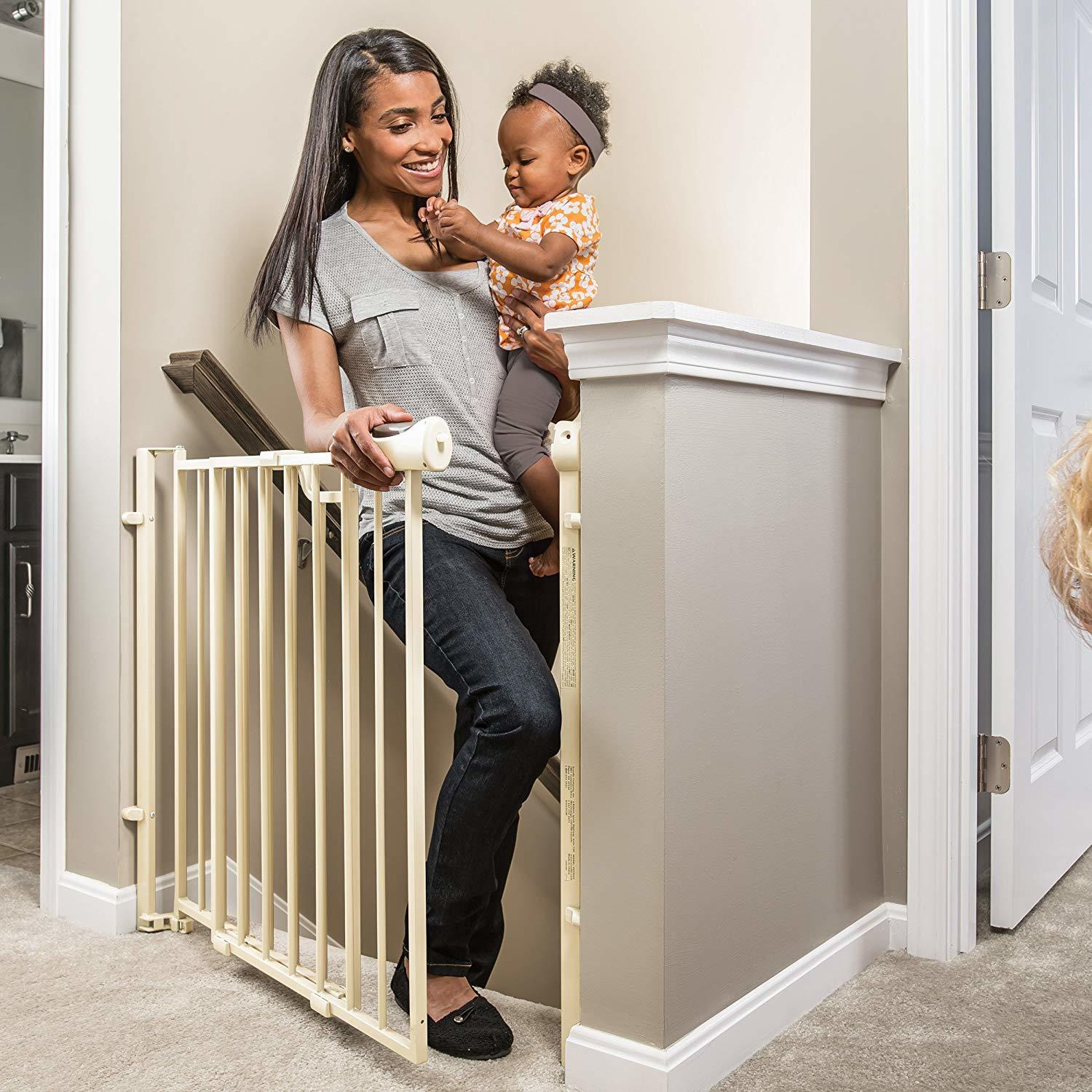 Evenflo Easy Walk Thru Top of Stairs Gate Review