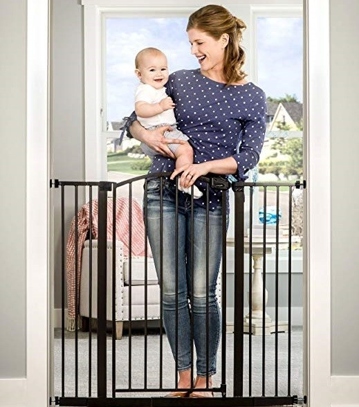 Regalo Easy Step Extra Tall Arched Décor Walk Thru Baby Gate